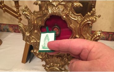"Free Green Scapulars Touched to Relic of True Cross for ""Conversion USA"""
